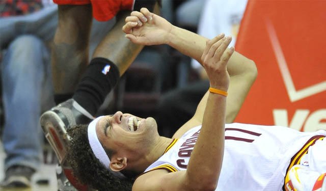A healthy Varejao could help the Cavaliers return to the playoffs. (USATSI)