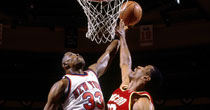 Patrick Ewing, Hakeem Olajuwon (Getty Images)