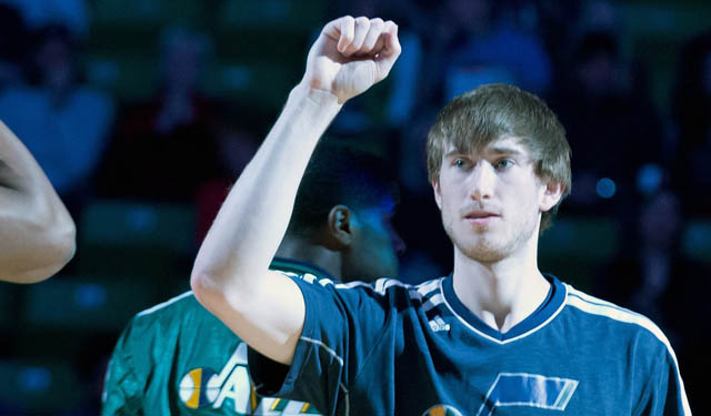 Report Suns To Make Big Offer To Gordon Hayward Jazz Likely To Match Cbssports Com