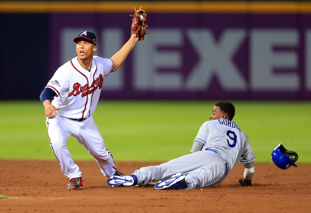 Braves shortstop Andrelton Simmons (left) just snagged a payday. (USATSI)
