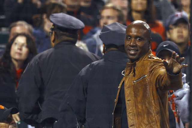Controversial slugger Barry Bonds is reportedly taking on a role with the Giants. (USATSI)