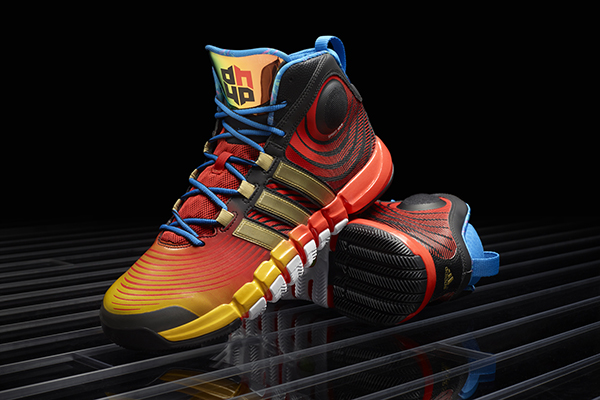 Dwight Howard's new shoes are tucan-y. (USATSI)