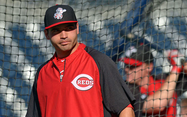Yes, Joey Votto is still hurt. (USATSI)