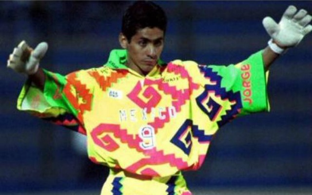 Not all jerseys can match the ugliness of Jorge Campos  shirt. (Twitter  screengrab) e5395a211