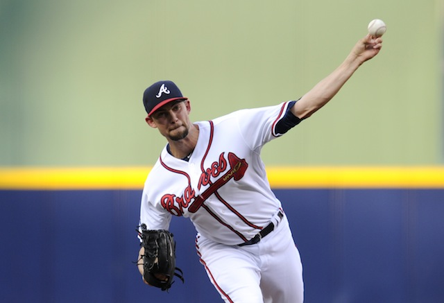 Mike Minor is almost ready to start doing this again for the Braves. (USATSI)