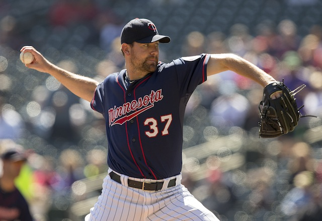 The Twins will be without the services of Mike Pelfrey for a while. (USATSI)