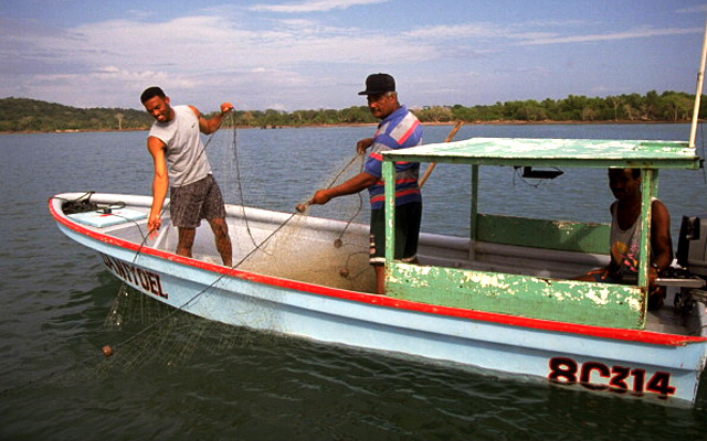 Mariano Rivera fishing with his father.