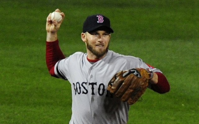 Stephen Drew has signed back with Boston.