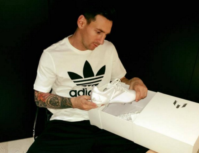 LOOK  Messi s new Ballon d Or special edition adidas boots are fire ... 469ea121b