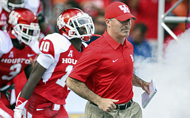 After a rough first season, Houston coach Tony Levine and his Cougars are 6-1.  (USATSI)