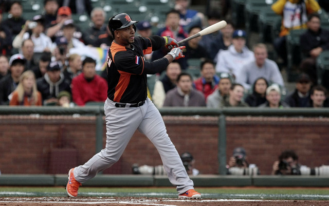 Wladimir Balentien, who played for the Netherlands in the WBC, may break Japan's home run record.