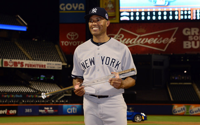 Should the Yankees buy or sell in Mariano Rivera's final season?