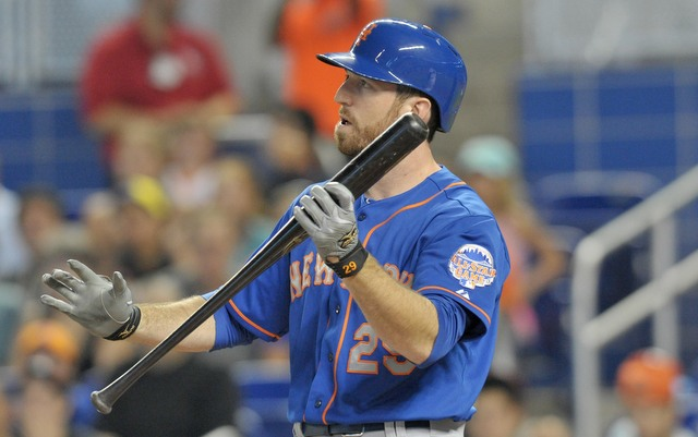 The Mets re-signed trade candidate Ike Davis for 2014 on Thursday.