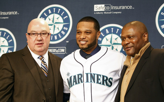 Robinson Cano doesn't think the Yankees treated him fairly during contract talks.