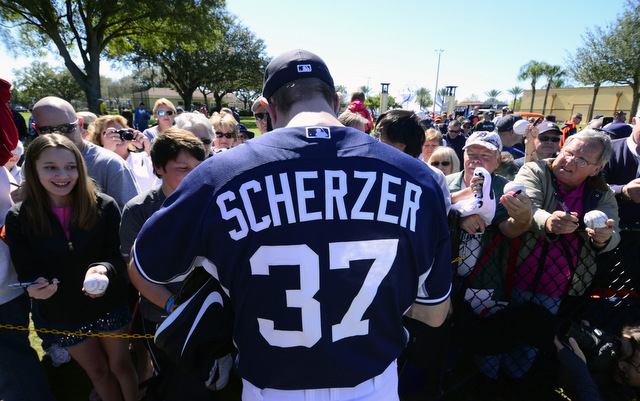 Everyone wants Max Scherzer's autograph, young and old.
