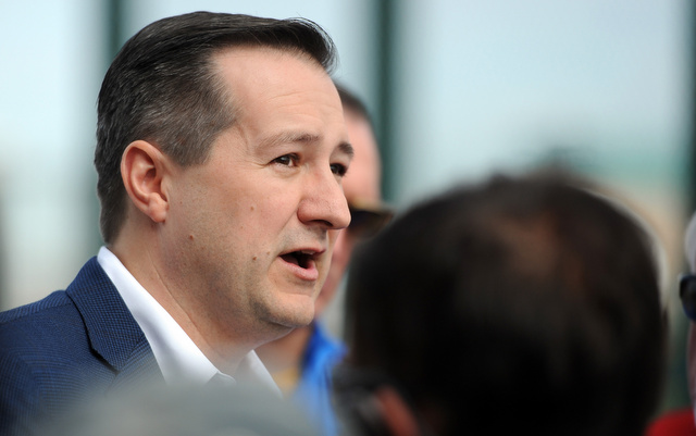 MLBPA wants Cubs owner Tom Ricketts to start spending more money.