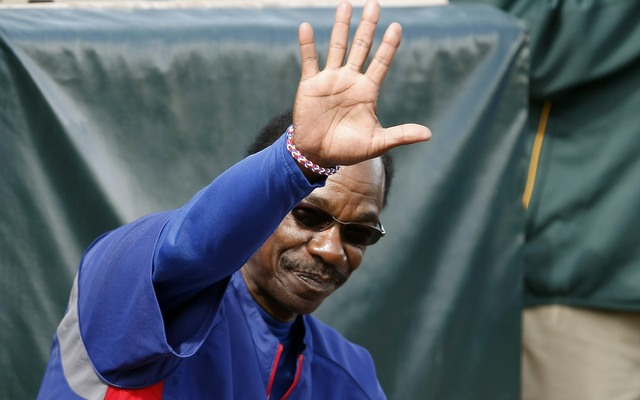 Rangers manager Ron Washington paid a $200 fine with 20,000 pennies