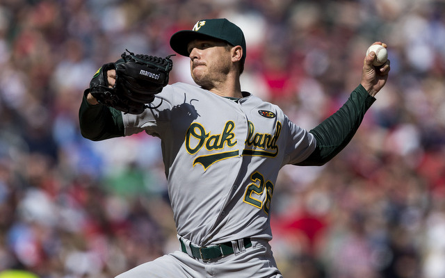A sore triceps forced Scott Kazmir to leave Sunday's start early.