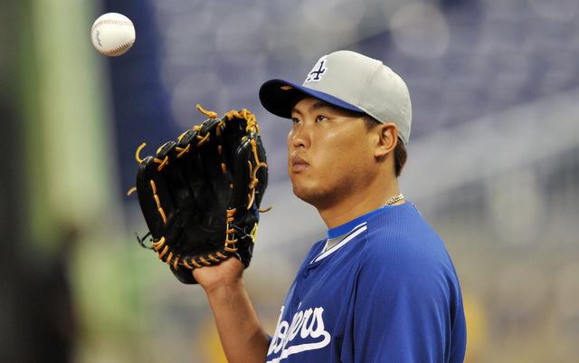 Hyun-Jin Ryu will start throwing on Tuesday.