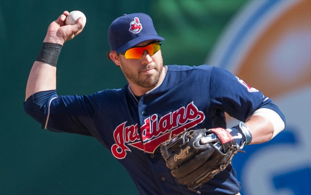 A Native America group plans to sue over the Chief Wahoo logo you see on Jason Kipnis' cap.