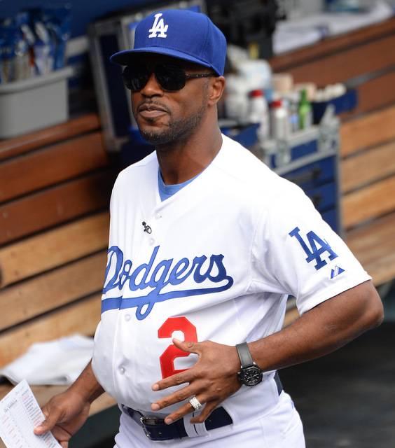sale retailer 07efe 2d0ca Guest manager Jimmy Rollins stuffs his belly to look like ...