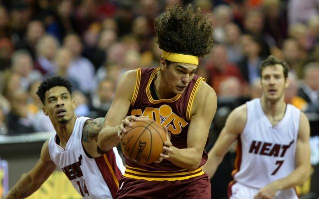Report: Warriors favorites to sign ex-Cavs center Anderson Varejao