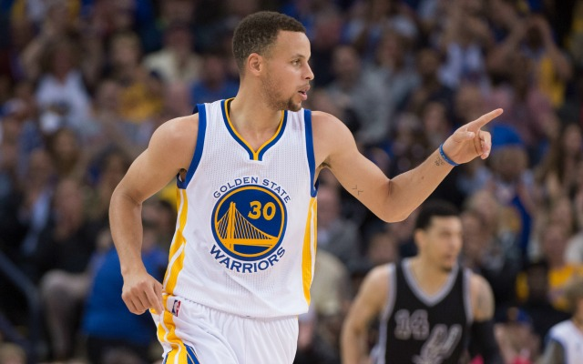 Steph and the Warriors join the '95-96 Bulls with 70 wins.
