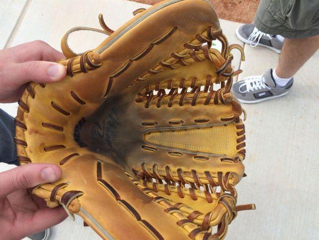 Venditte's custon glove.