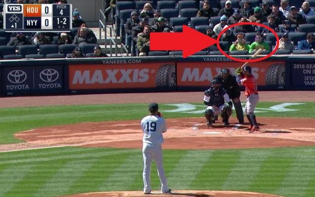 Look Two Ninja Turtles Are At Yankee Stadium Thanks To John Oliver Cbssports Com