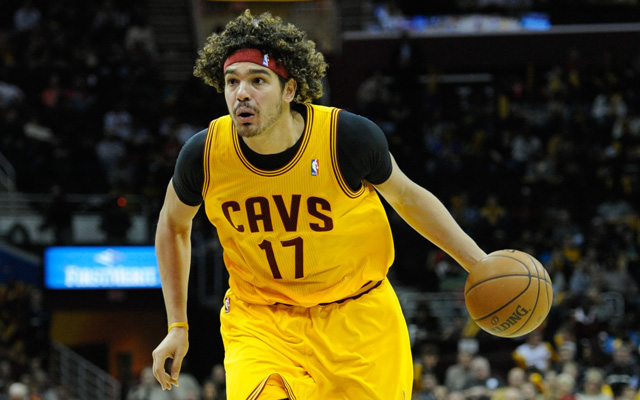 Anderson Varejao is likely not being traded for Omer Asik.  (USATSI)