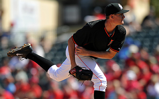 Andrew Heaney will join the Marlins this week.
