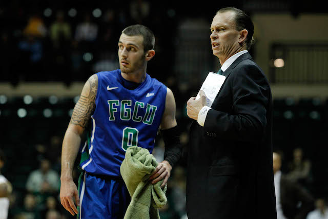 Brett Comer and new head coach Joe Dooley led Florida Gulf Coast to the No. 1 seed. (USATSI)