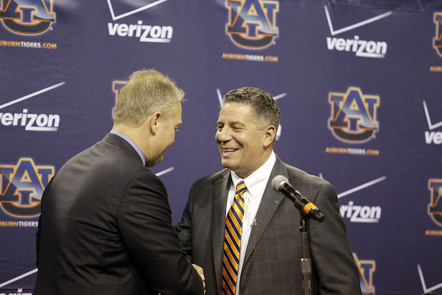 Bruce Pearl's show-cause penalty ends on Saturday night. (USATSI)