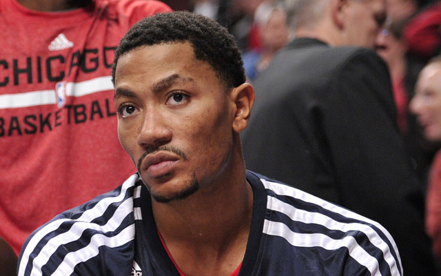 Derrick Rose has his mind on his money and his money on his mind.     (USATSI)