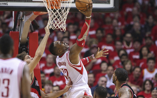 Dwight Howard thinks he needs more touches in Game 2. (USATSI)