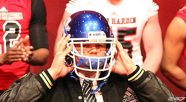 Four-star DT Matt Elam chooses Kentucky over Alabama. (247Sports)