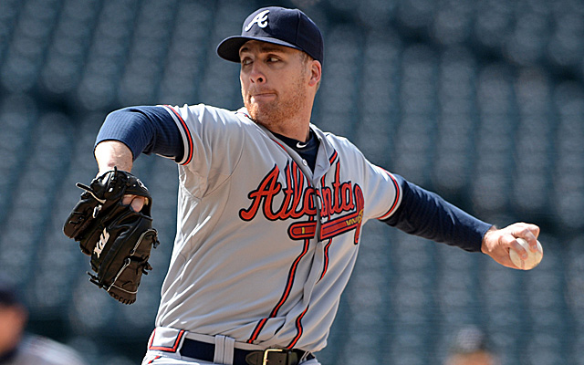 The left-handed Eric O'Flaherty joins fellow lefty Jonny Venters on the DL.