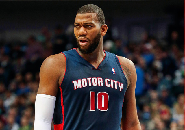 Greg Monroe is serious about signing his qualifying offer.  (USATSI)