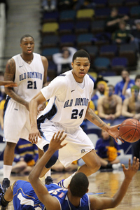 Frank Hassell and Kent Bazemore helped down Hofstra in the CAA tournament