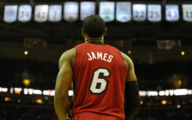 lebron james red jersey