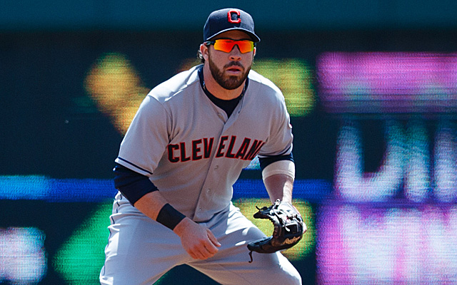 Jason Kipnis will miss at least one game, but hopes to avoid the DL.
