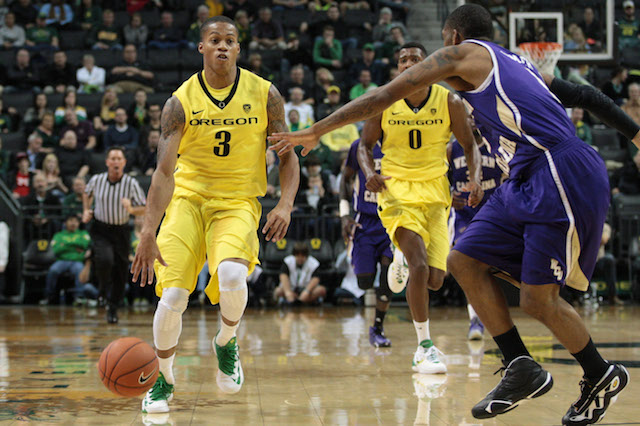 Oregon's Joe Young had 36 points on 12 field-goal attempts against Western Carolina. (USATSI)