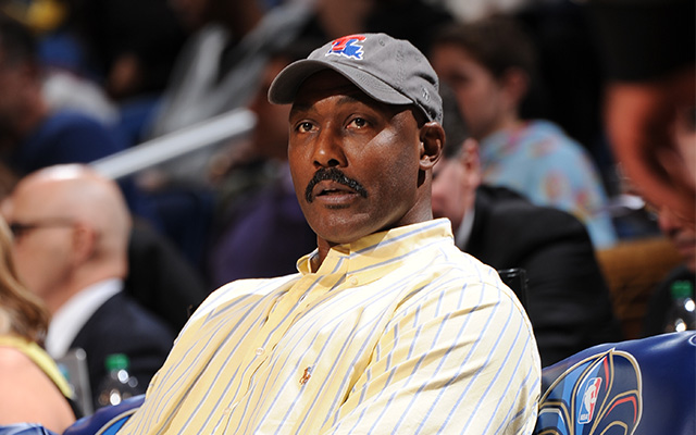 Karl Malone hates player rest, analytics, wants to fight