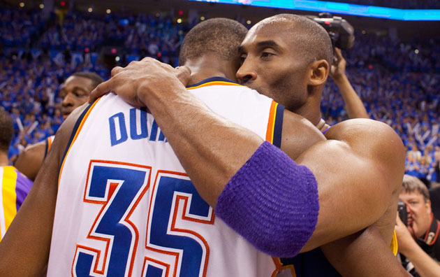Kevin Durant respects Kobe Bryant.  (GETTY)