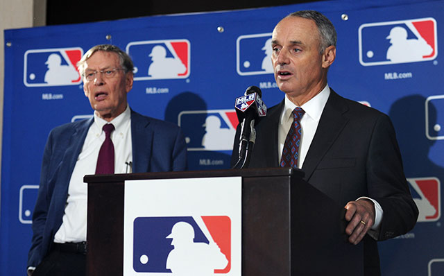 Rob Manfred says MLB could support legalized gambling