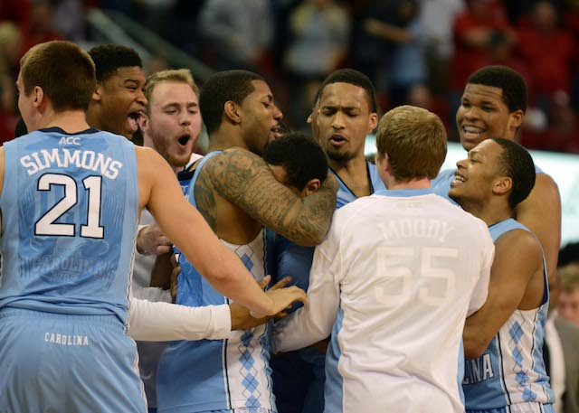 Marcus Paige, somewhere in the middle, had 30 points after halftime on Wednesday. (USATSI)