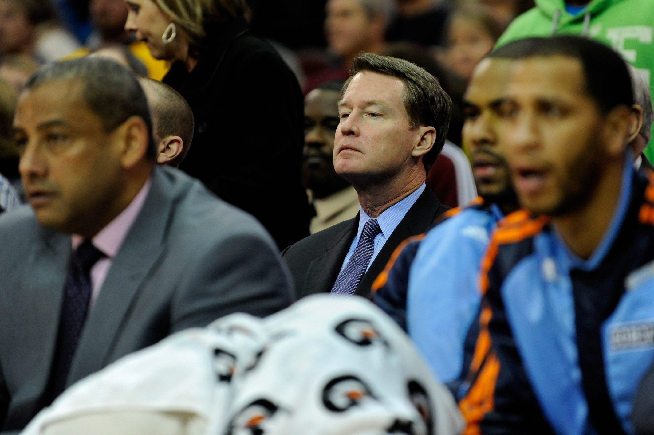 Mark Price has been an assistant behind the front row for years.  (USATSI)