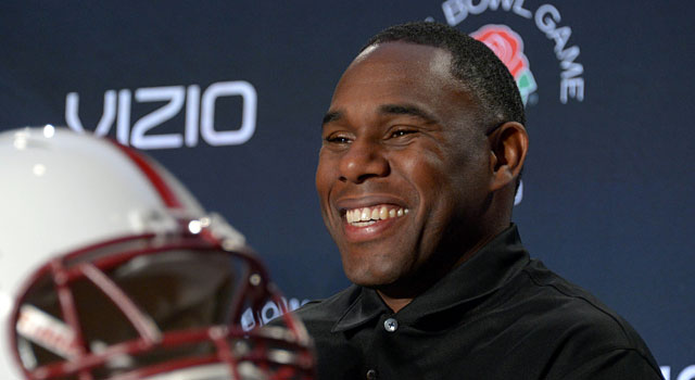 Derek Mason (shown before the 2013 Rose Bowl) doesn't find his mural portrayal 'representative.' (USATSI)