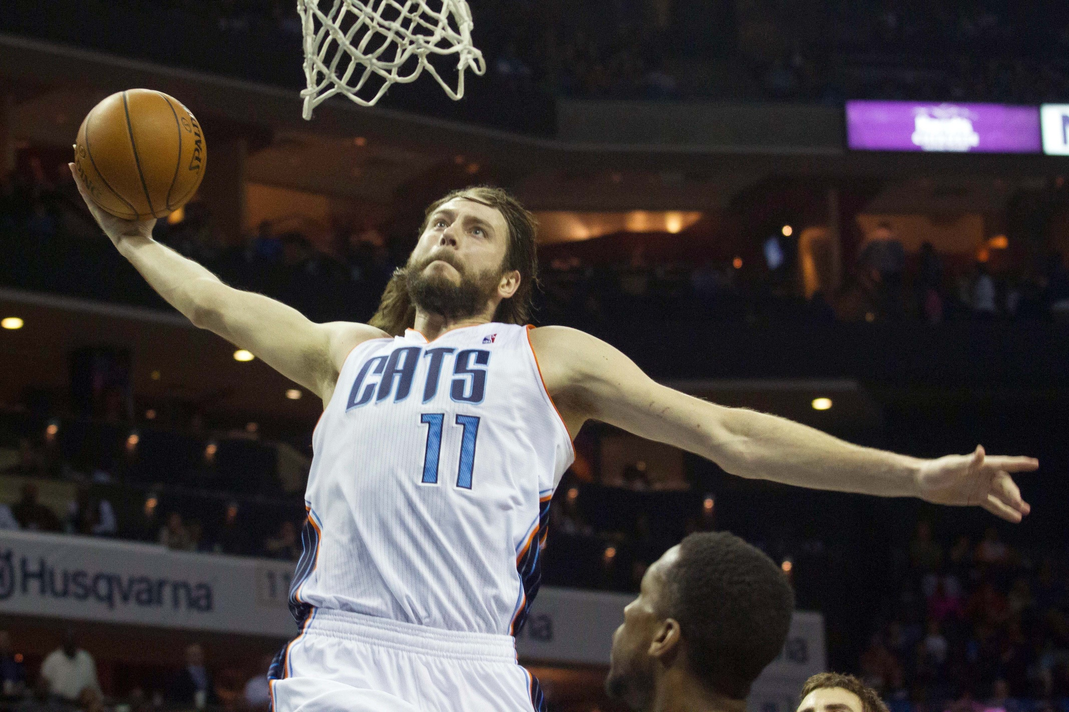 Josh McRoberts and the Blazers share mutual interest. (USATSI)