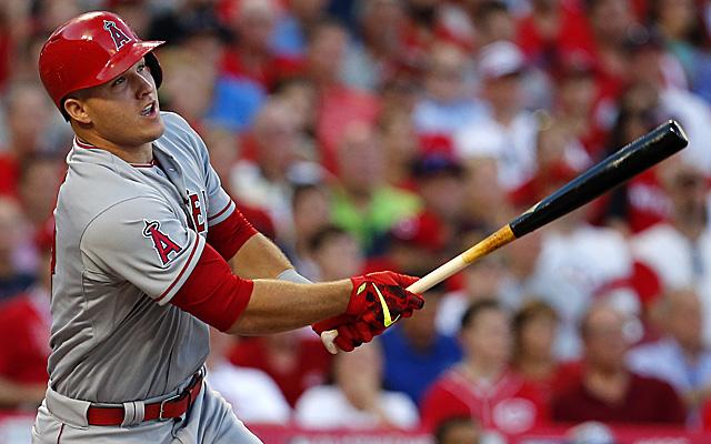 mvp baseball how to hit homerun